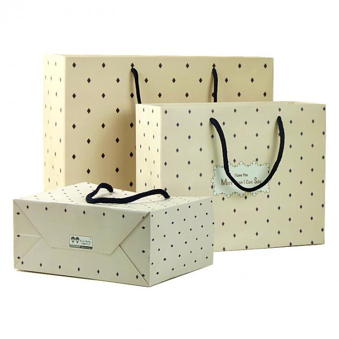 Die Cut Retail Shop Bags Lightweight Eco Friendly Custom Length Handle